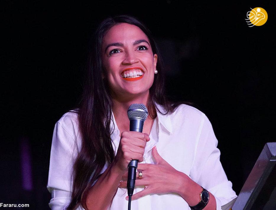 الکساندریا اوکازیو کورتز جوانترین عضو کنگره آینده ایالات متحده به مجلس نمایندگان راه یافت. نامزد ۲۹ ساله حزب دموکرات موفق شد به مجلس نمایندگان راه یابد؛ او جوانترین عضو کنگره آینده ایالات متحده خواهد بود