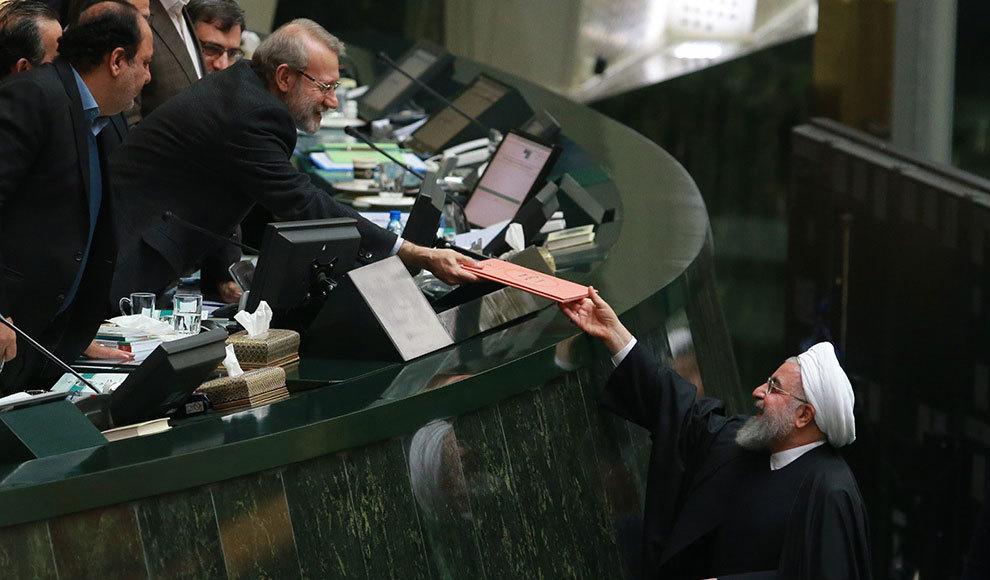 خرید کریسمس در تهران. (میزان/حامد عطائی)