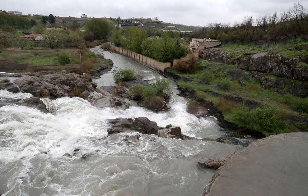 (تصاویر) سرریز شدن آب سد ۴۰۰ ساله مشهد - 6