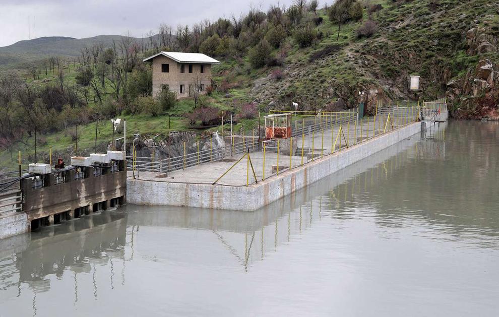 (تصاویر) سرریز شدن آب سد ۴۰۰ ساله مشهد - 7