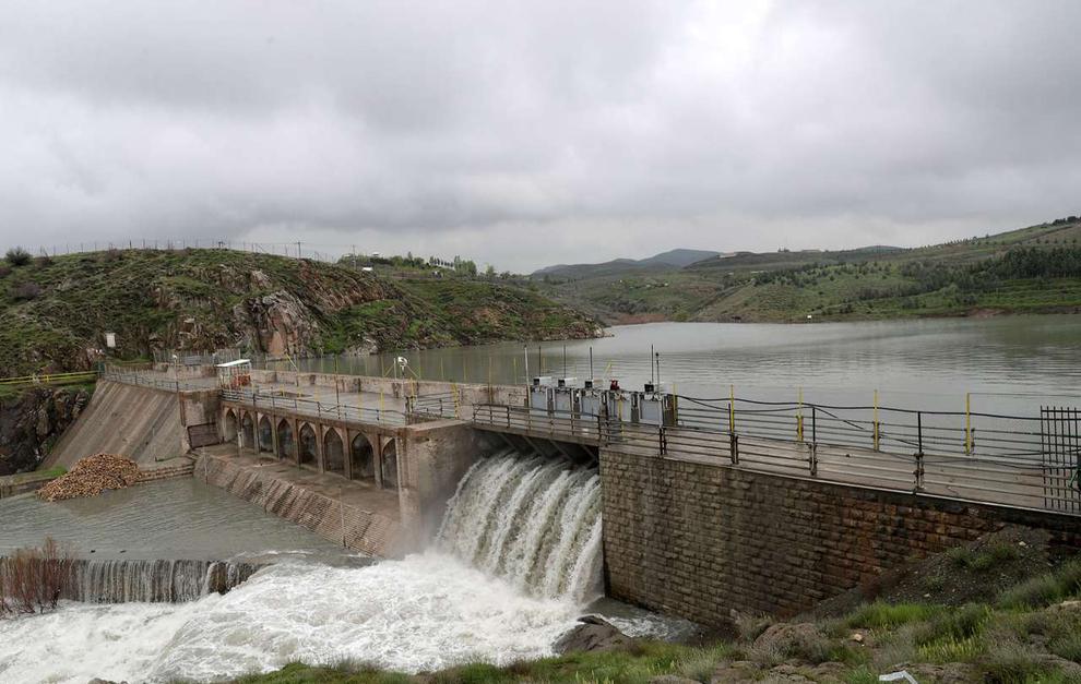 (تصاویر) سرریز شدن آب سد ۴۰۰ ساله مشهد - 13