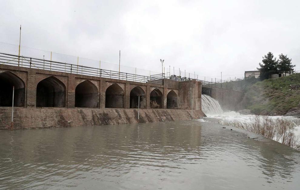 (تصاویر) سرریز شدن آب سد ۴۰۰ ساله مشهد - 14