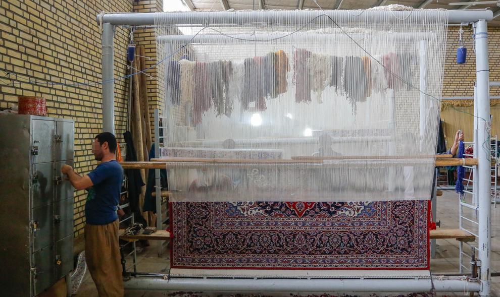 (تصاویر) کارگاه قالیبافی در زندان کاشان - 13